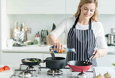 Домработница-повар в семью